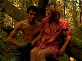 My cock becomes hard every time when I examine teen porn videos! This time wasn't the exception and that's why I became turned on so much checking up how stud seduces his beautiful girlfriend to have worthwhile pounding in a forest. Yeah, that playgirl is not against of getting her face hole and twat nailed outdoor.