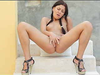 Spend time in a company of luxurious large tittied gal