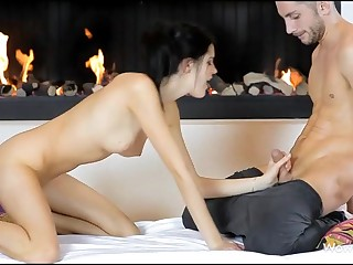 Breathtaking hotty giving great oral-service sex before vaginal insertion