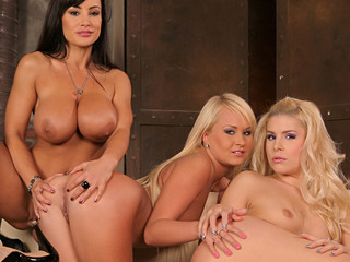 Behind the scenes look with Lisa Ann, Brandy and Amelie
