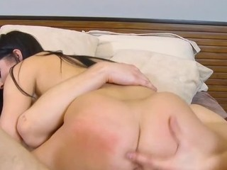 Inexperienced schoolgirl serves a throbbing 10-Pounder of a older stud
