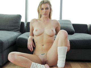 Golden-haired give foot job
